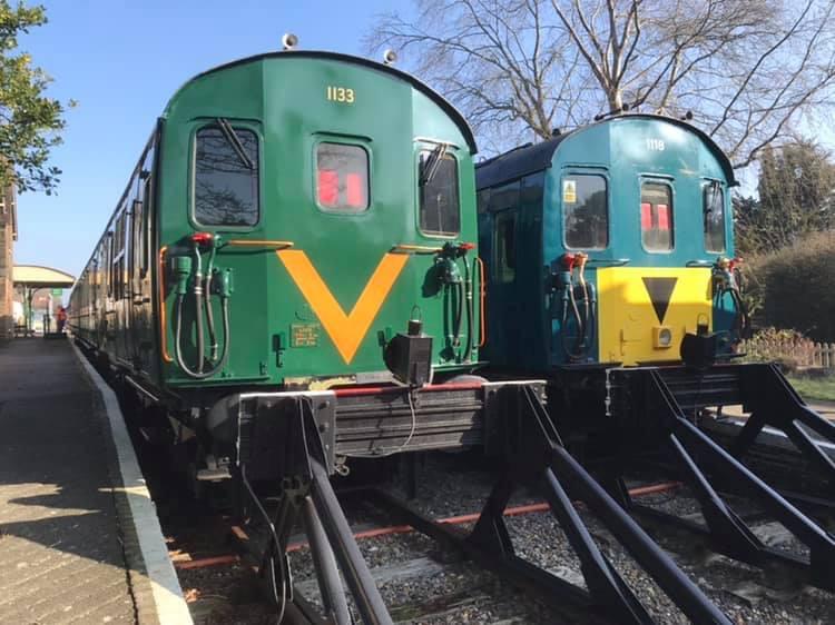 lavender-line-trains