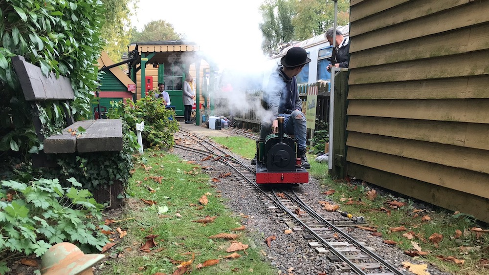 rileys-miniature-railway-engine-under-steam