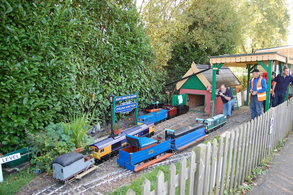 rileys-miniature-railway-station