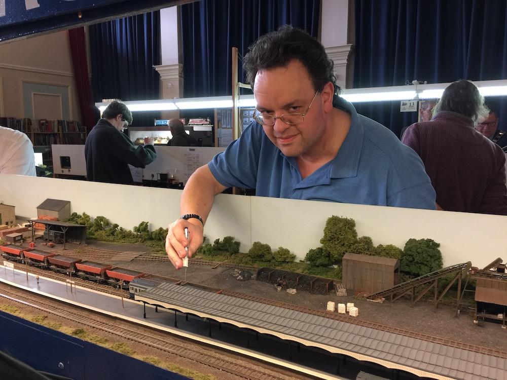 uckfield-model-railway-club-layout-3