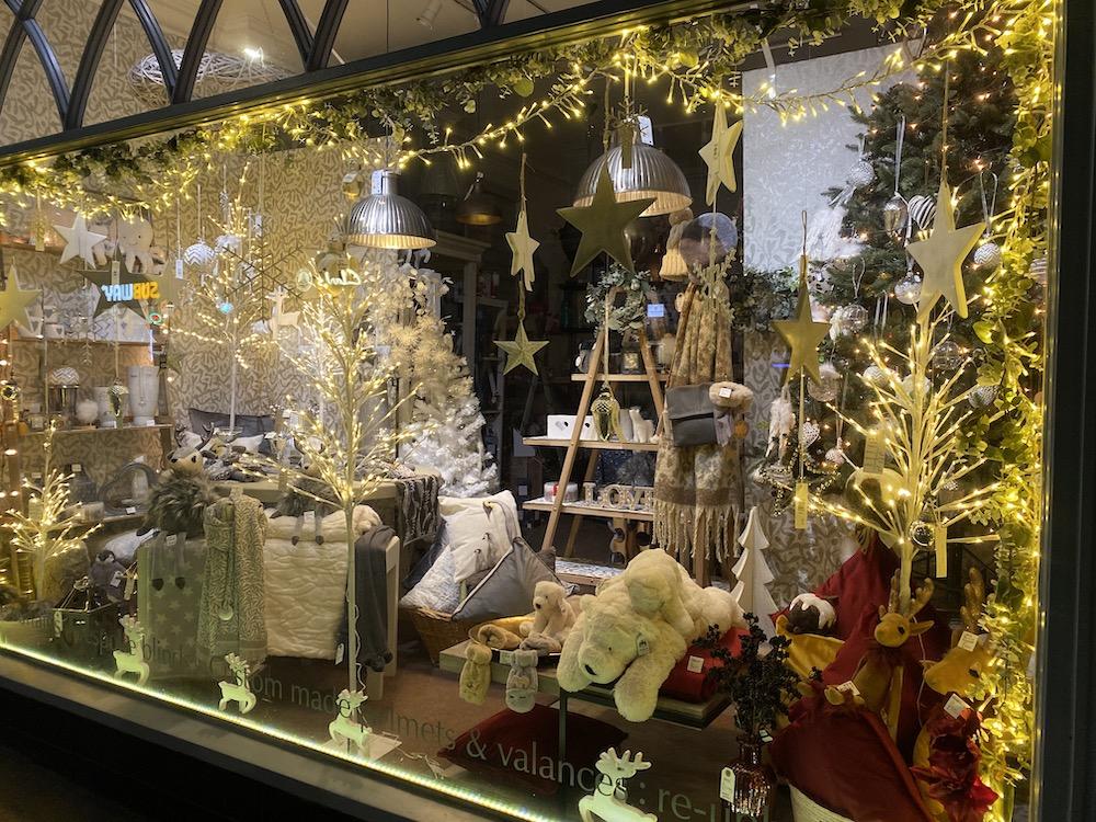 carvills-christmas-windows-2