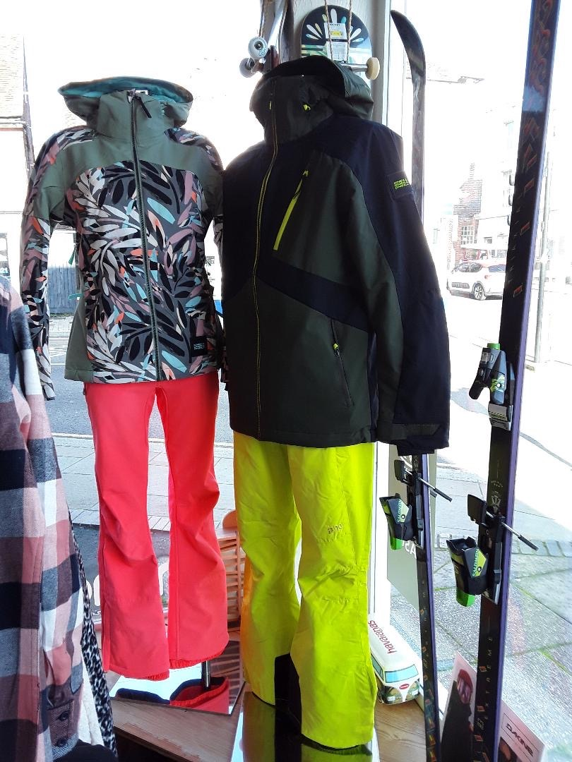 pipedreams-window-jackets-snow-trousers