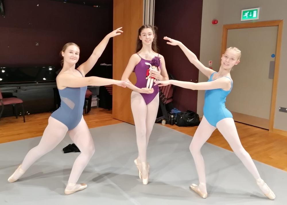 rennie-dance-southern-ballet-erin-munn-chloe-hanson-amelie-hanson