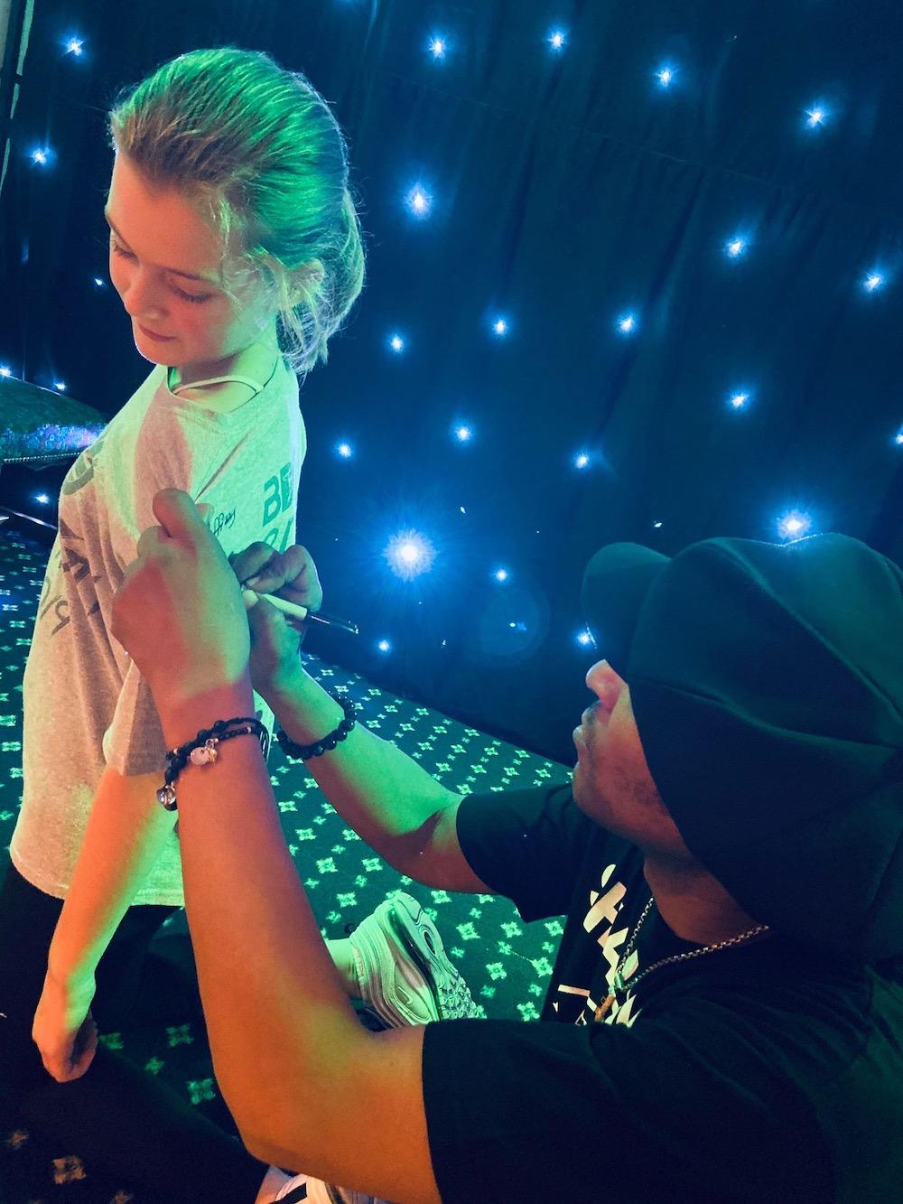universal-dance-jeffrey-daniel-autograph