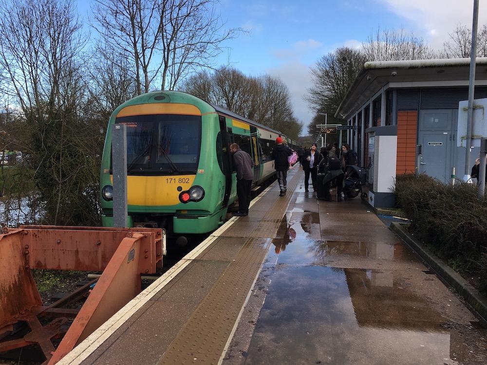 river-uck-train