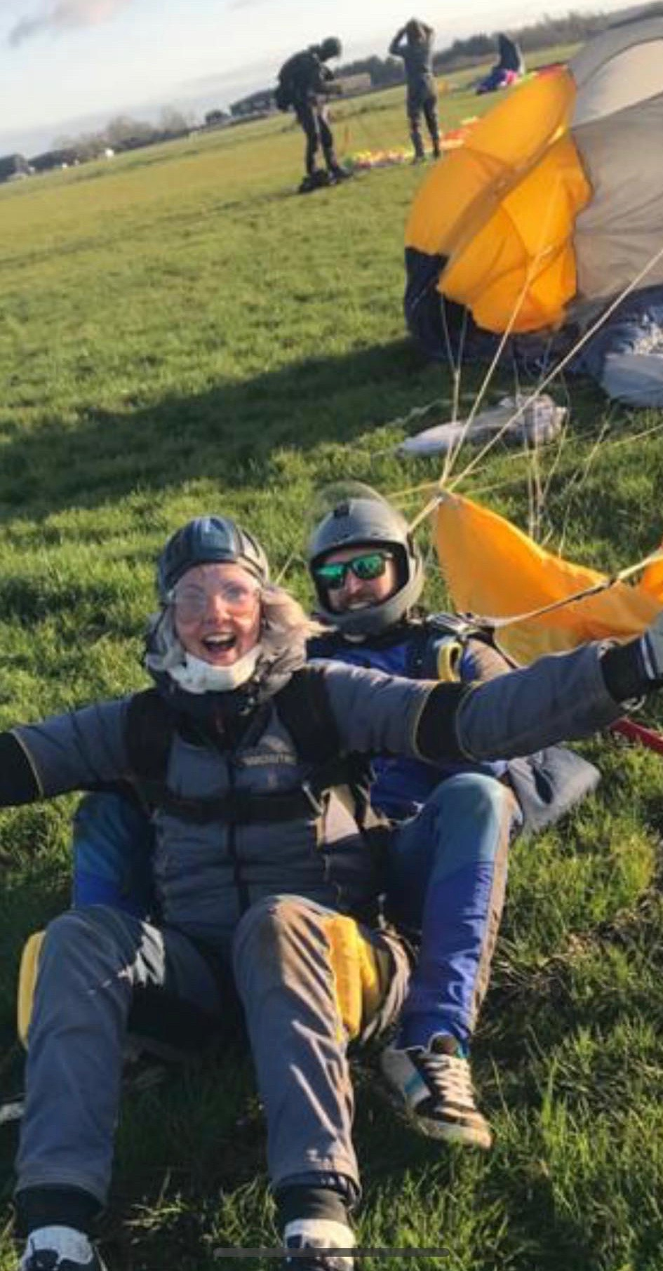 sky-dive-natalie-stagg-landed